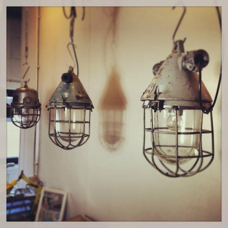 Industriële lampen een ware trend! - Meubeltrack trends
