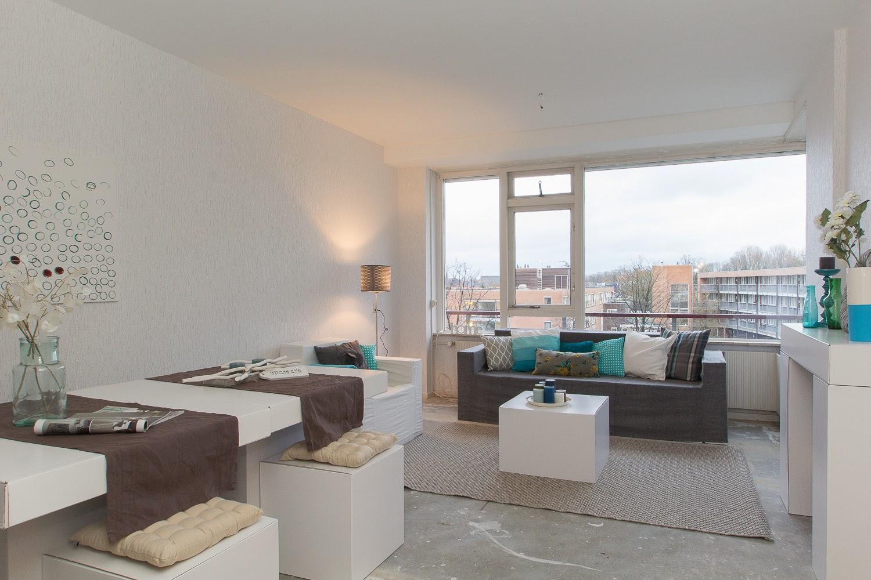 Meubels van karton meubeltrack inspiratie - Inrichting van een lounge in lengte ...