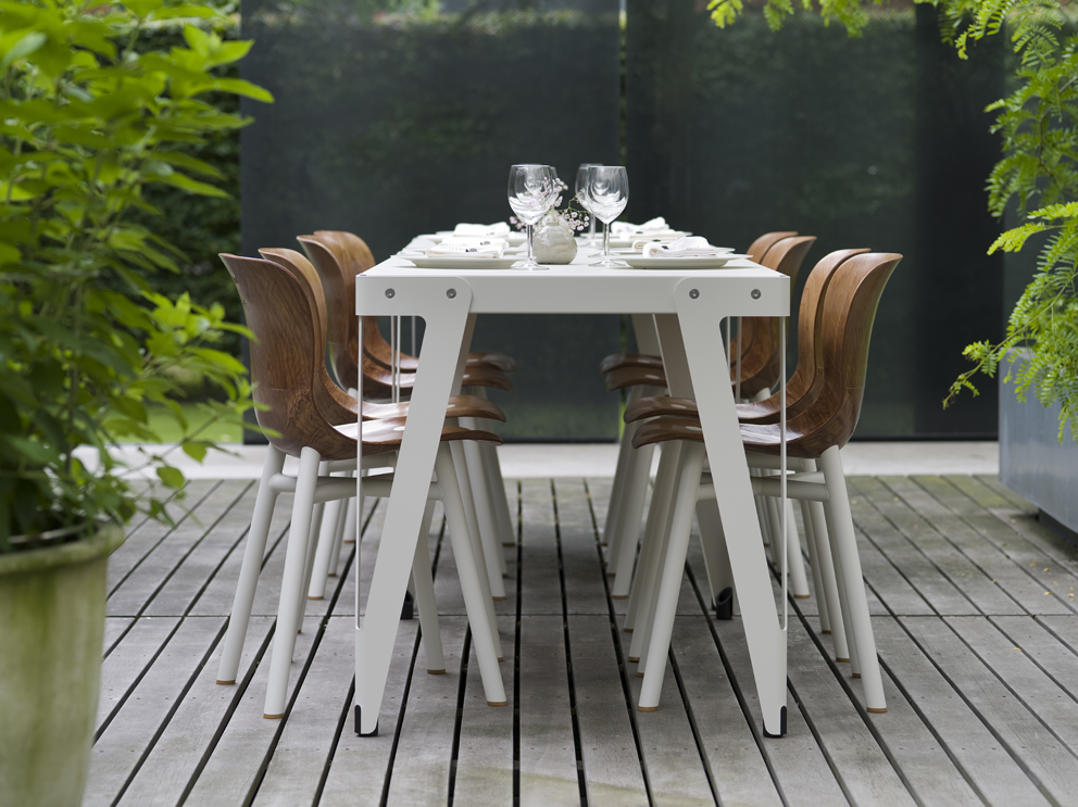 Lloyd_Work table_white OUTDOOR + Wendela_white (5)