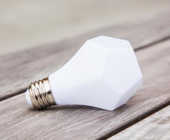 Nanoleaf-Gem-LED-Bulb-2