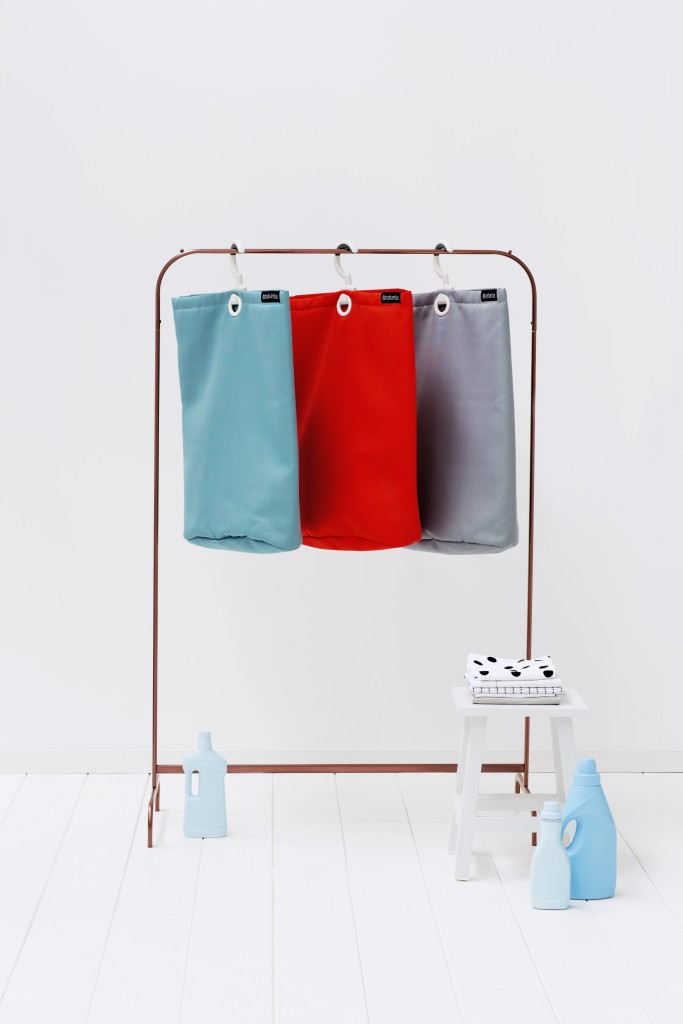 106064-105906-106088-Hanging-Laundry-Bag-Mint-Grey-Red-MOOD-03
