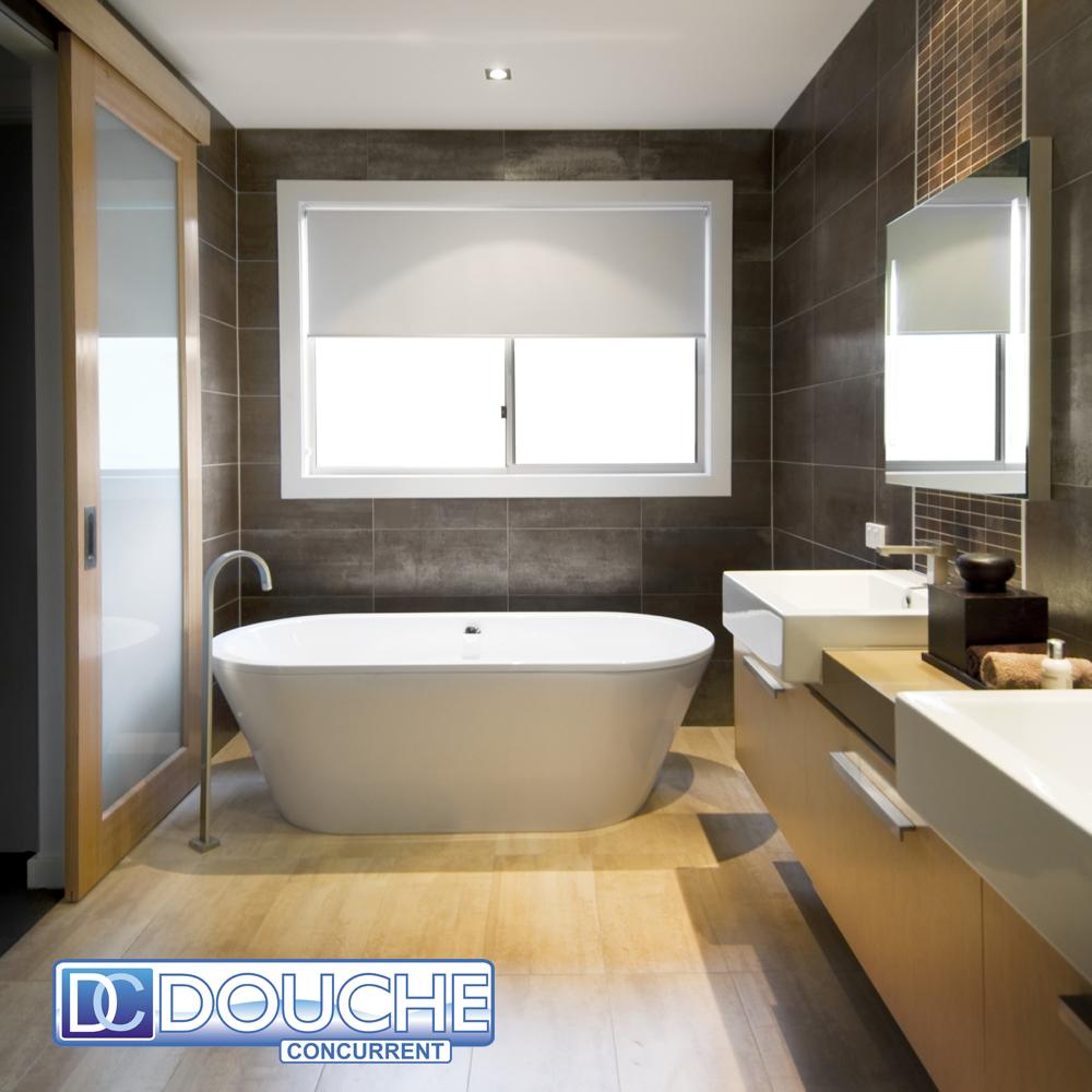 Bad voor badkamer - Winkelruimte met een badkamer ...