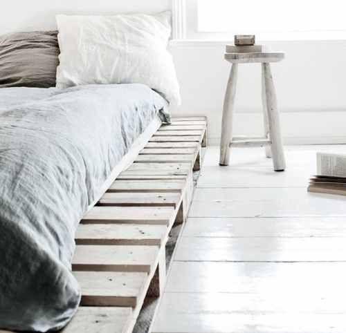 wegdromen 12x slaapkamers met een matras op de grond