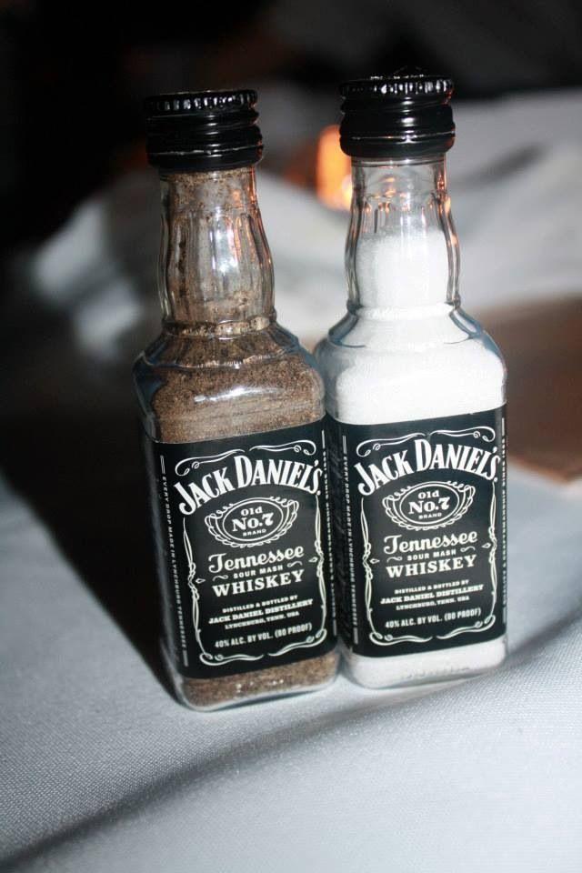 Super Creatief met flessen van Jack Daniels - Meubeltrack Inspiratie XV-07