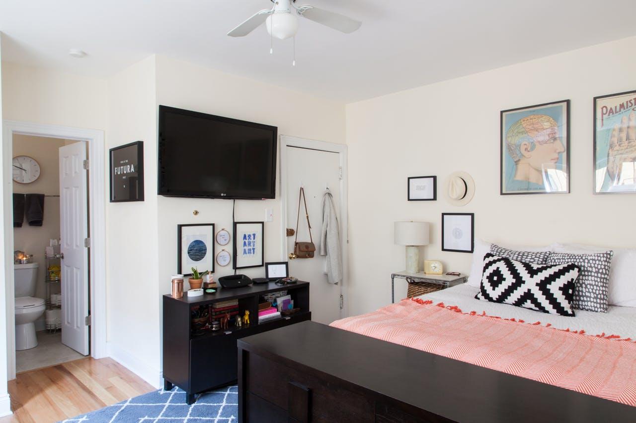 binnenkijken bij een slim ingerichte studio meubeltrack blog. Black Bedroom Furniture Sets. Home Design Ideas