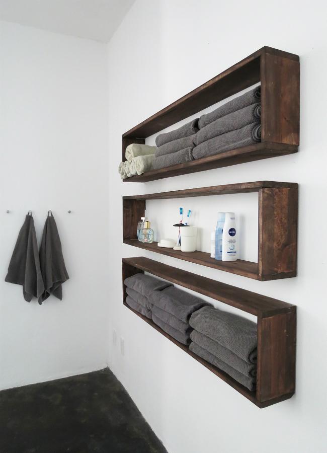 DIYWallShelves_BathroomStorageTall