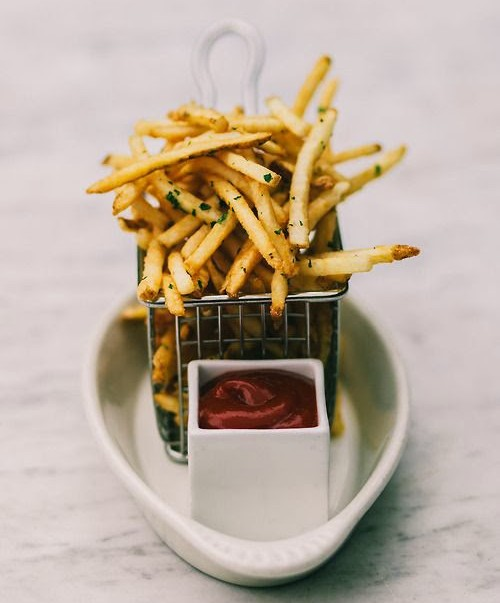 fries in basket
