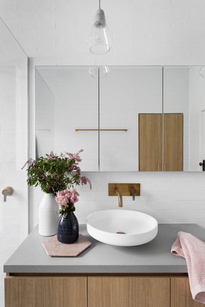 Flowers-on-gray-minimal-bathroom-sink