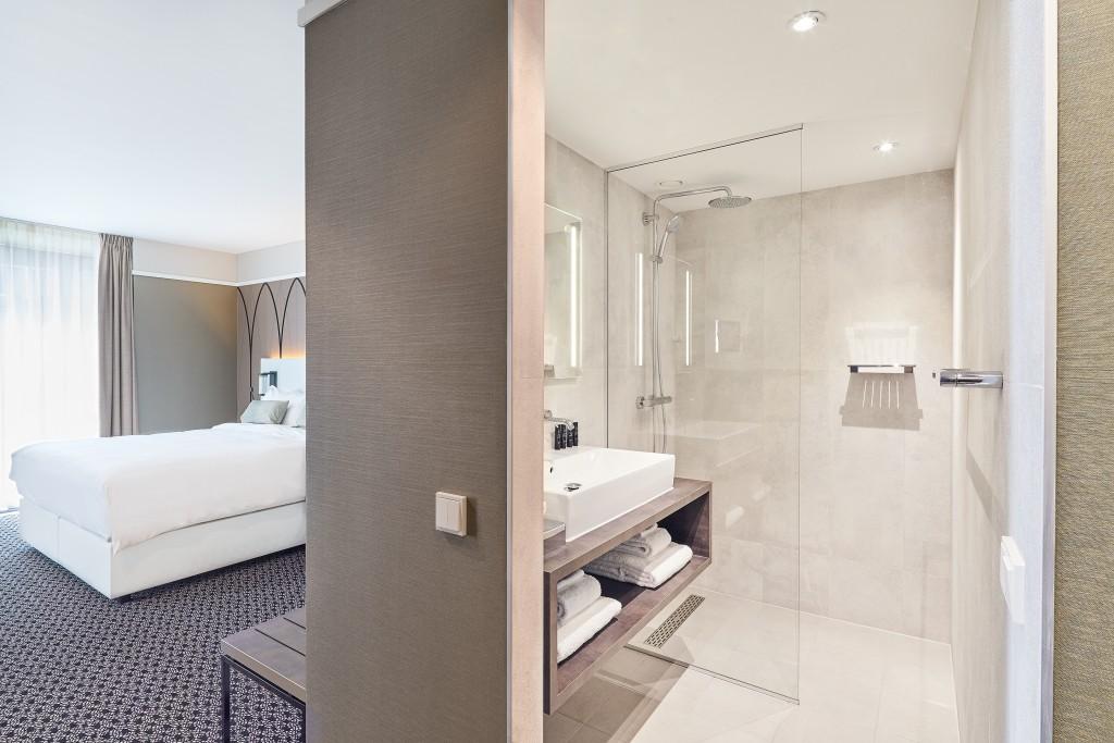 executive-room-bathroom-1