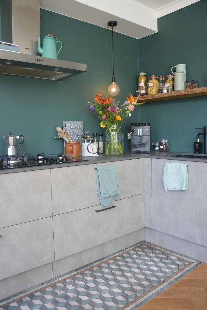 4 - bloempot in keuken